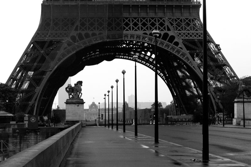 Ч/Б городская перспектива Перспетива Парижаphoto preview