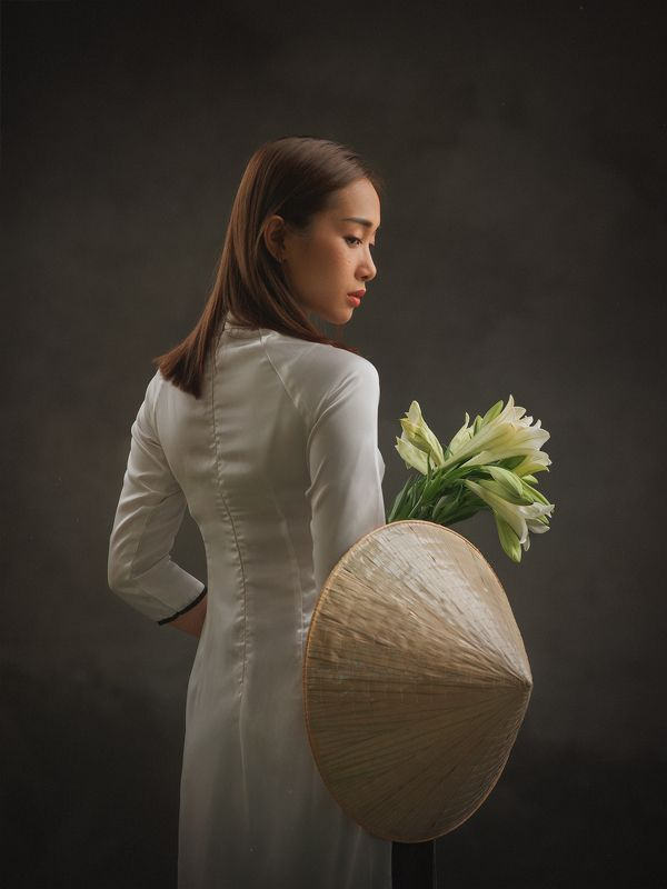 portrait, woman, female, beauty, face, vietnamese, asian, girl, studio, traditional dress, dress, staged, white, lilly, flower * * *photo preview