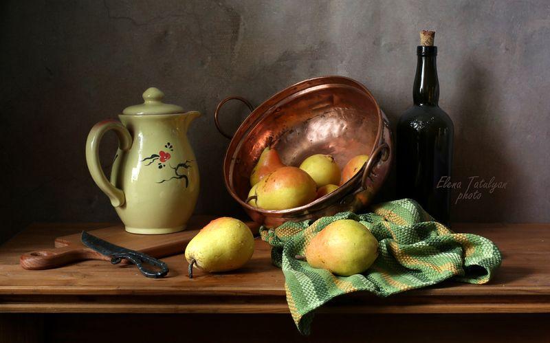 груши, фрукты, кувшин Груши в медной миске фото превью