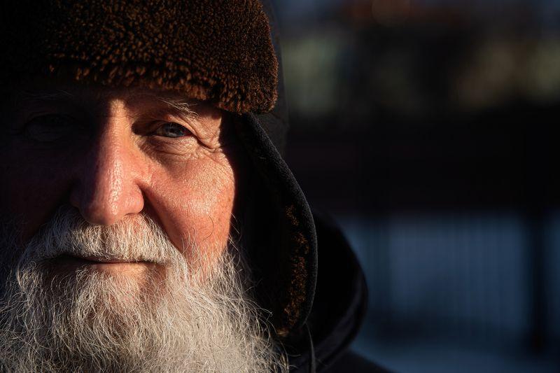 старик, мужчина, ветеран, борода, взгляд Летчикphoto preview