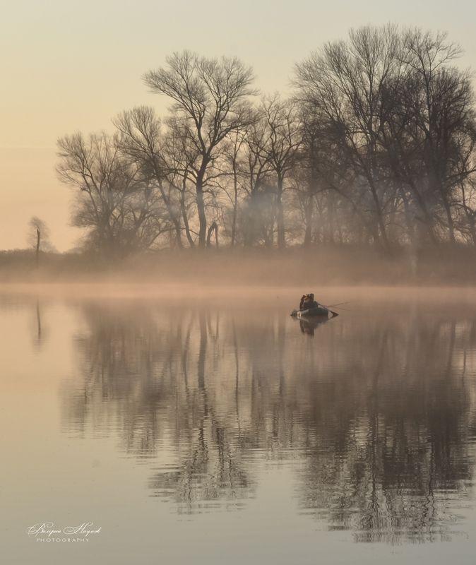 утро, восход, солнце, лучи, апрель, туман, рыбаки На утренней зорьке фото превью