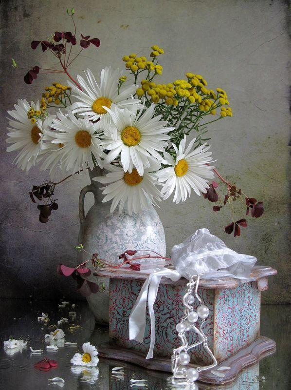 цветы, букет, ромашки, пижма, бусы, бижутерия,шкатулка, кувшин, винтаж, декупаж Любимыйphoto preview