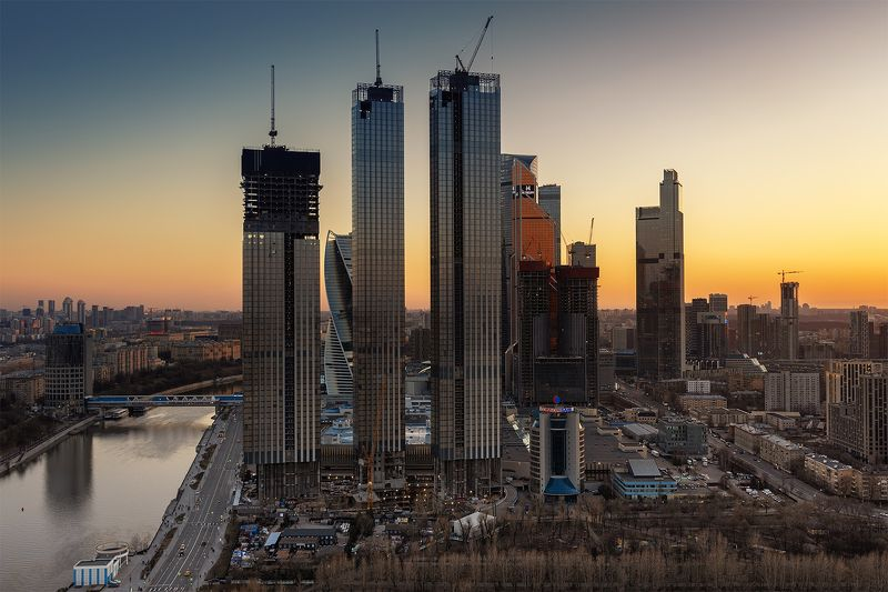 москва-сити, закат, москва Москва-Сити строитсяphoto preview