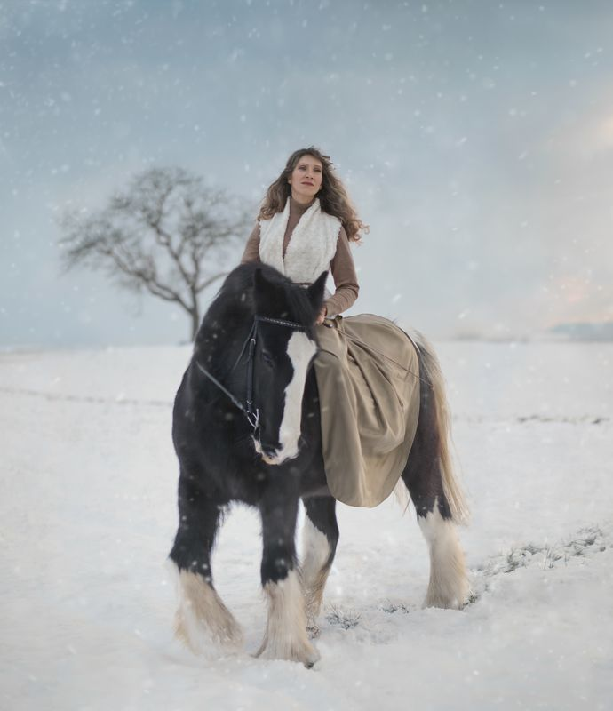лошадь, женский портрет, fine art Финигенphoto preview