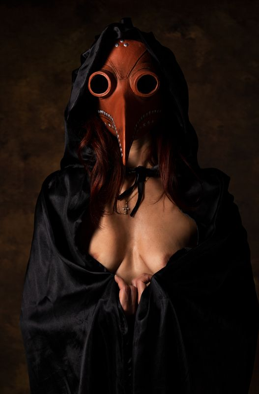 plague, portrait, female, women, mask, studio the black plaguephoto preview