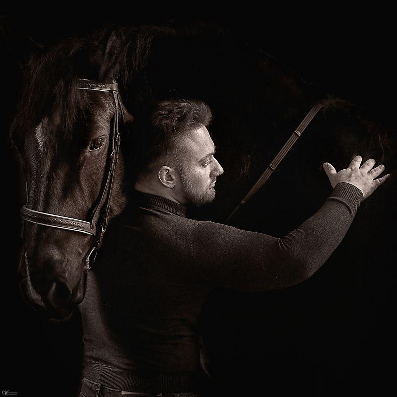 Мужской портрет мужчина и конь Дима и конь Сама_Тандем силы и мужественностиphoto preview