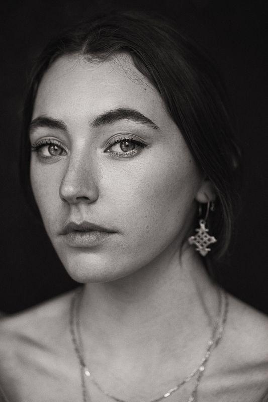 portrait, girl, sepia Nellphoto preview