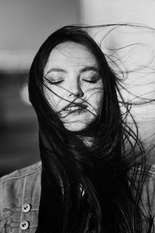 девушка,жанр,портрет,фотография,модель,арт,portrait,photography, middle,nature,soul,свет,girl,canon 35mm, woman,monochome,ню,гламур photo preview