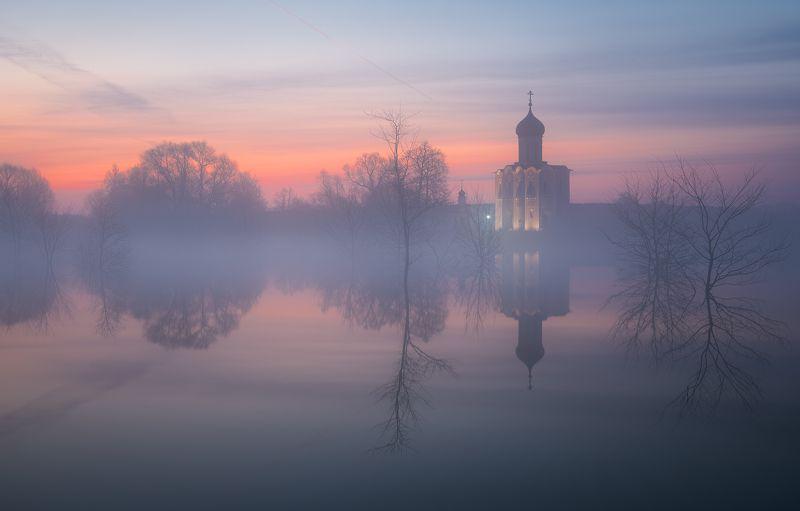 храм, боголюбово, весна, разлив, пейзаж Туманная негаphoto preview
