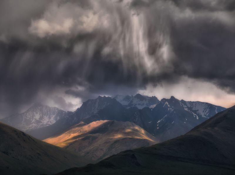 кавказ, приэльбрусье Непогода в горах Кавказа.photo preview
