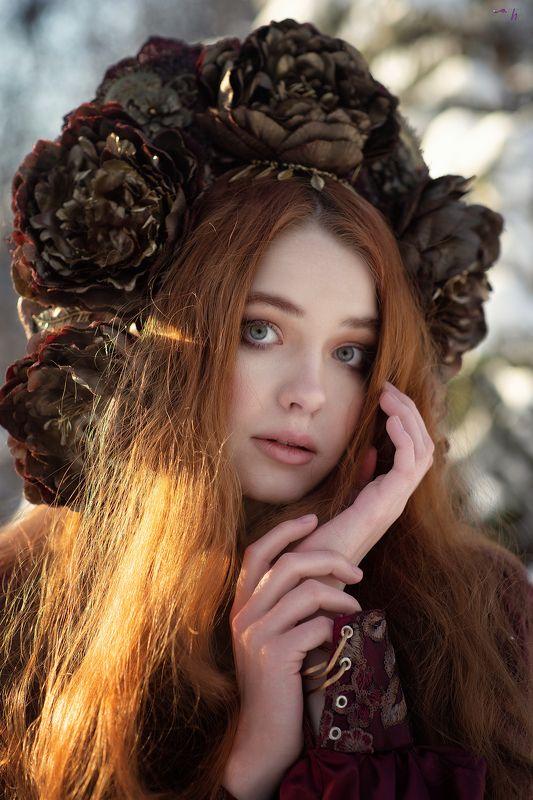портрет, зима, красный, фентези, девушка, лес, сказка, холод, мороз Аннаphoto preview