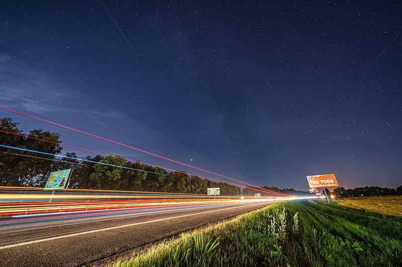 ночь, небо, дорога, звезды 6 билбордов на границе Минскаphoto preview