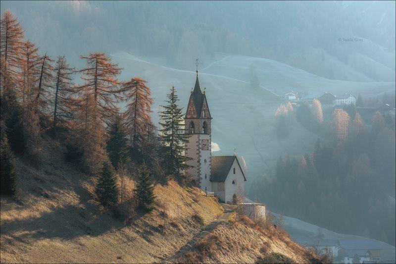 доломитовые альпы,tolpei,деревня,осень,италия,alps,santa barbara,церквушка Свежесть утраphoto preview