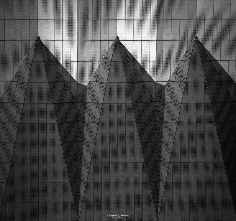 architecture, modern, design, abstract, triangles, black, white, shadow, urban, city, geometry, russia, rostov on don Геометрия Ростоваphoto preview