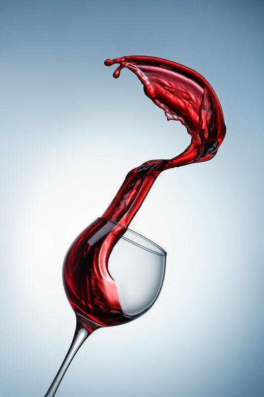 момент, вино, всплеск, splash, минимализм, бокал, предметка, предметная фотография Полётphoto preview