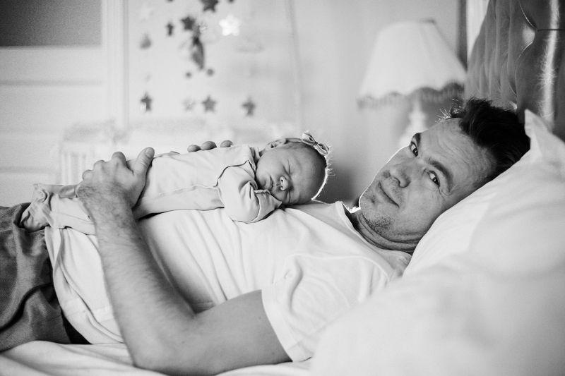 малышка,портрет,семейная фотография Папа и дочкаphoto preview
