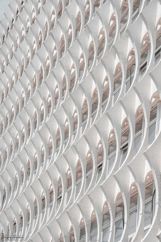 architecture, facade, white, abstract, city, urban, Russia, Rostov on Don, design, building, ripples Рябь IIphoto preview
