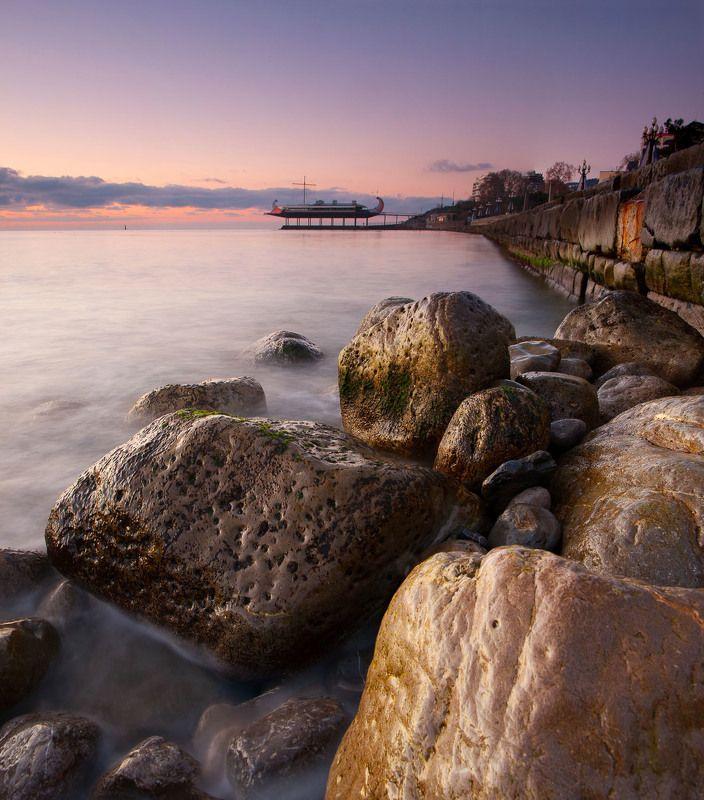 ялта, набережная, крым, набережная, черное море, ялтинский маяк, маяк, набережная ленина, ялтинский залив, мартьян, мыс мартьян Набережная в Ялтеphoto preview