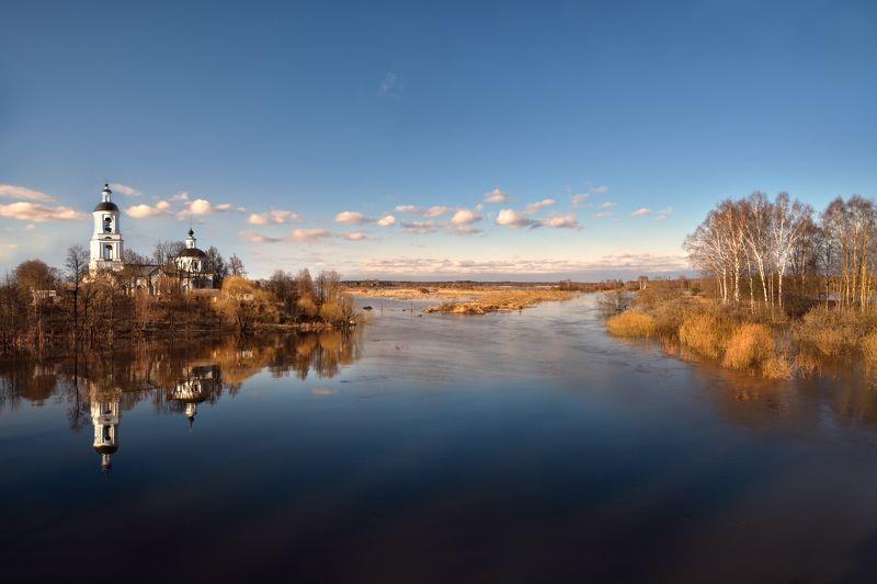весна,разлив,река,небо,облака,церковь,филипповское весенний разливphoto preview