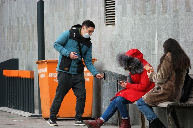 Баррикадная, оранжевый, зелёный, красный, синий, чистота, мусорка, выбросить, лавочка, противогололёдные реагенты Чистый городphoto preview