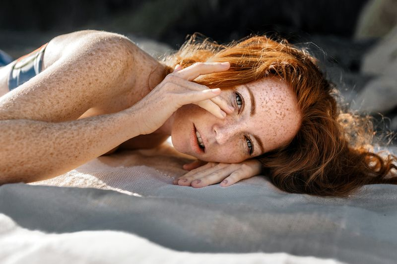portrait close up close-up closeup face redhead eyes freckles sun outdoor lips Оксанаphoto preview