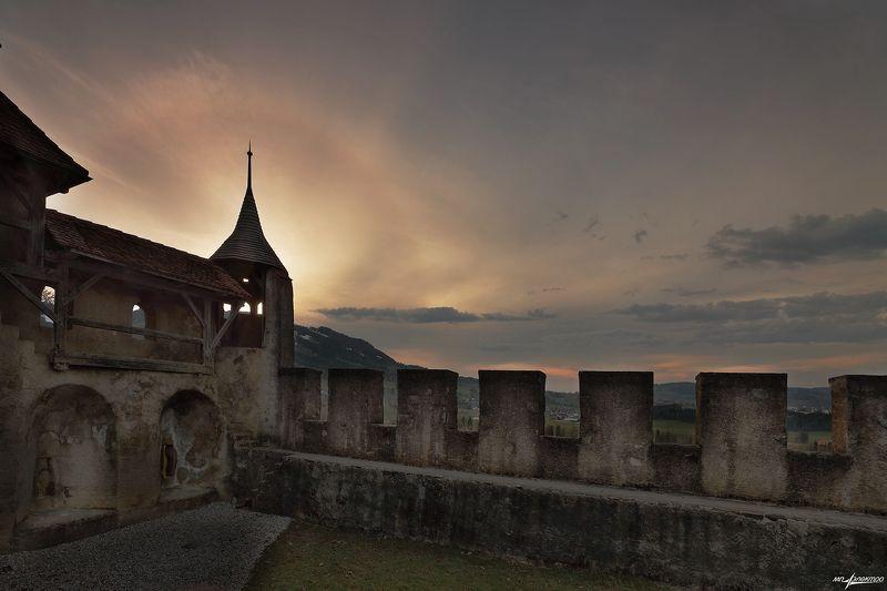 swiss Старые стеныphoto preview