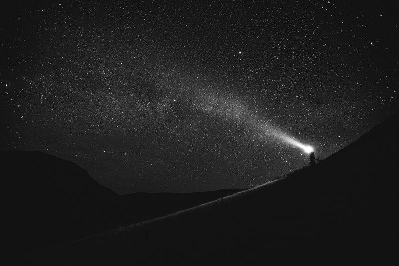 Урал, Оренбург, фотографсрюкзаком, звезды, ночь, млечный путь Освещая путьphoto preview