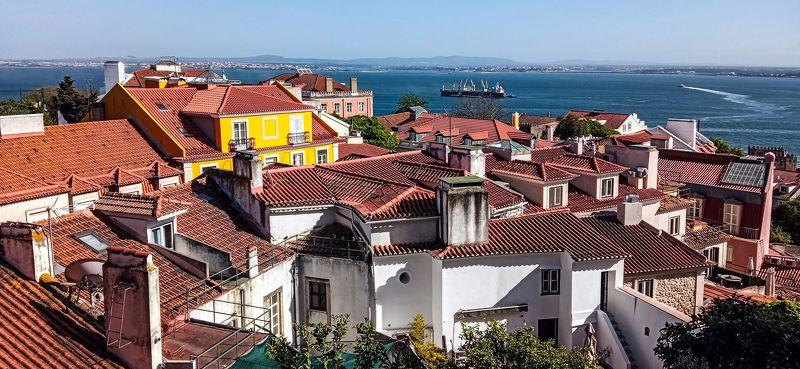 Street, City,  São Jorge Castelphoto preview