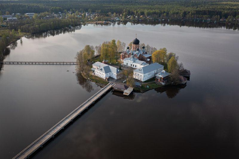 Свято-Введенский Островной монастырьphoto preview