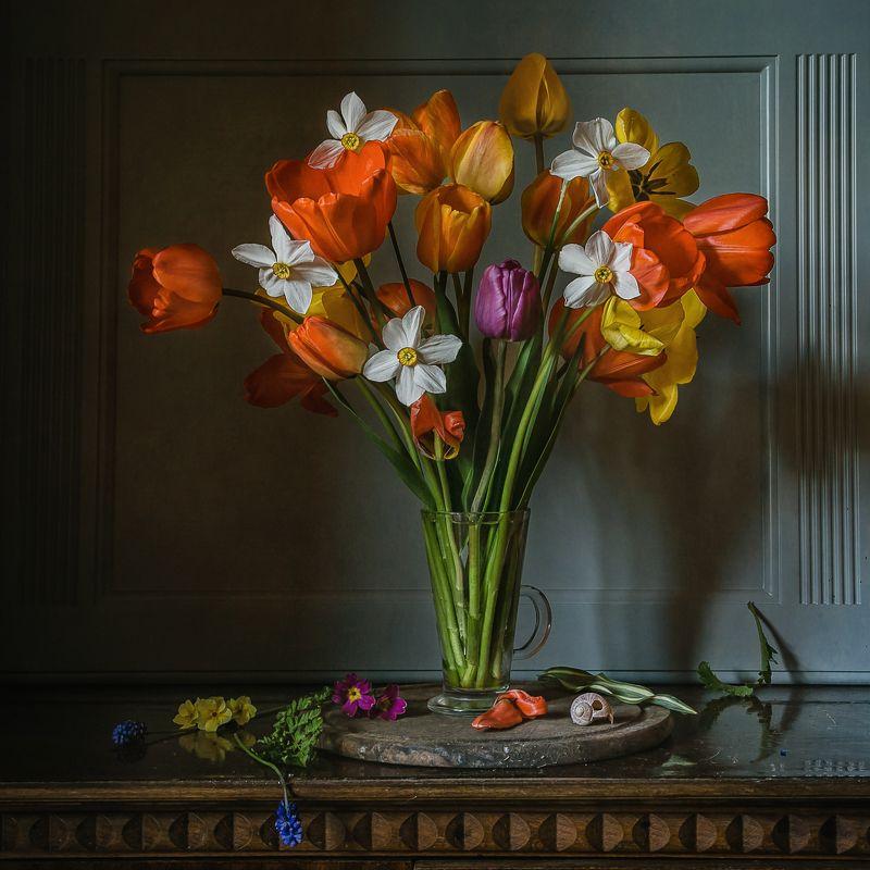натюрморт, цветы, тюльпаны, нарциссы Весны апофеозphoto preview