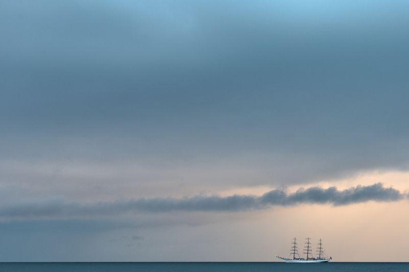 sea, ,horizon, ,ship, ,clouds, ,sky, ,blue, ,navy, ,light, ,sunset, ,sail Marine storiesphoto preview