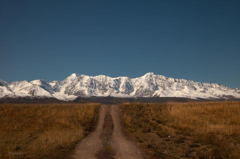 Северо - Чуйский хребет. Минимализмphoto preview