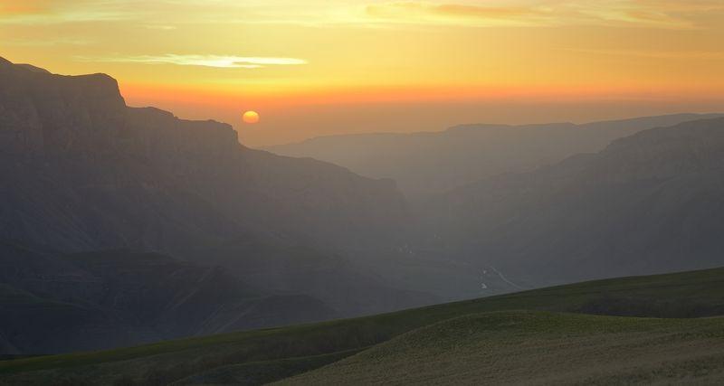 горы весна рассвет Рассвет в Баксанском ущельеphoto preview