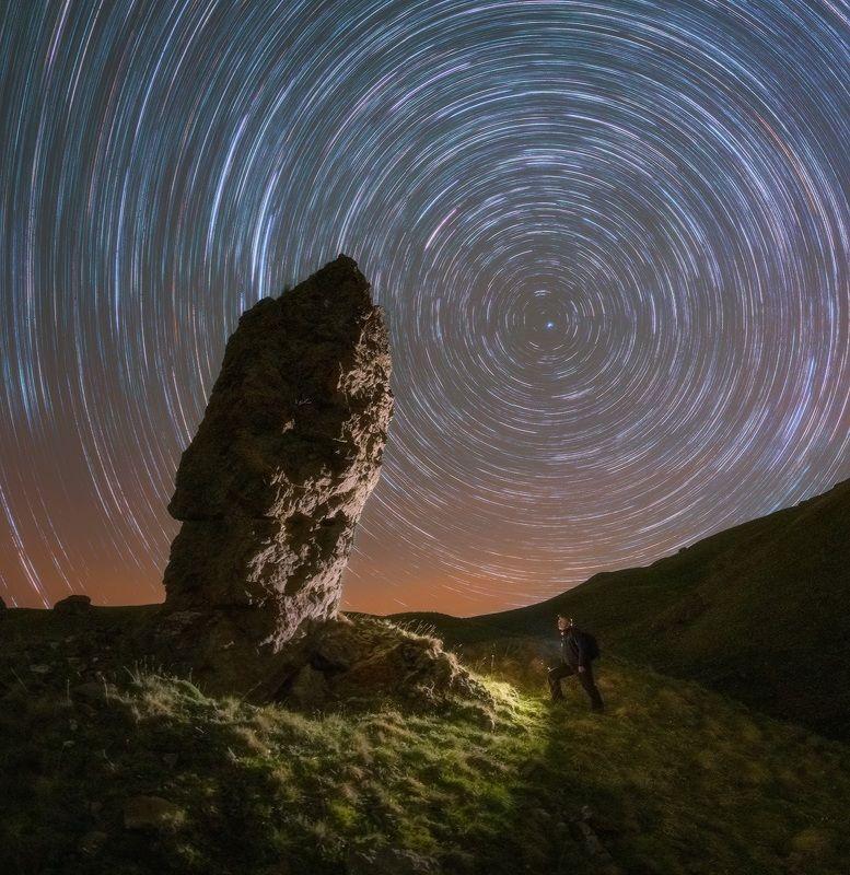 северный кавказ, карачаево-черкесия, гуд-гора, исполины, весна, ночь, звездные треки. Карачаево-Черкесия. Исполины Гуд-горы.photo preview