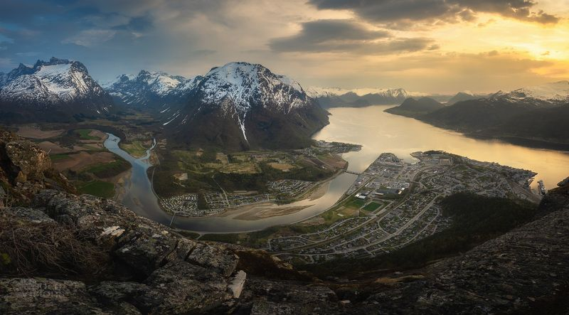romsdalen,mountains,norway,sunset,spring, Romsdalen panoramaphoto preview