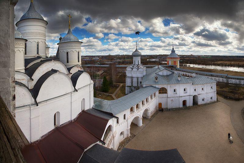 На колокольне и башнях обителиphoto preview