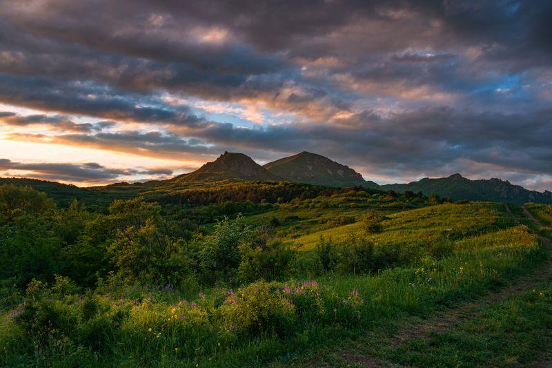 вечер,май,природа,пейзаж,бештау,пятигорск,кмв Майский вечерphoto preview