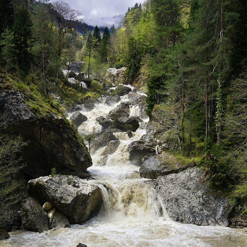 Бурные воды Абхазии фото превью