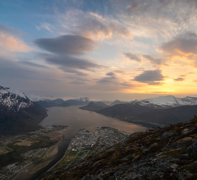 norway,romsdal,mountains,seascape,norwegian,sunset, Late evening springtime lightphoto preview