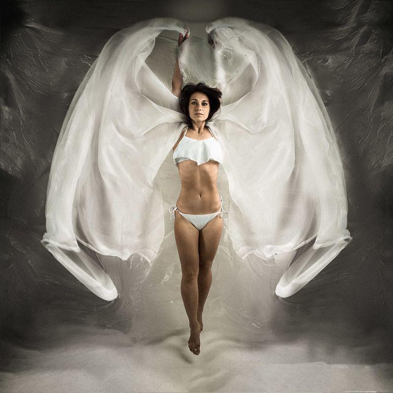 крылья полет портрет женский взлет прыжок ткань Летать!...photo preview