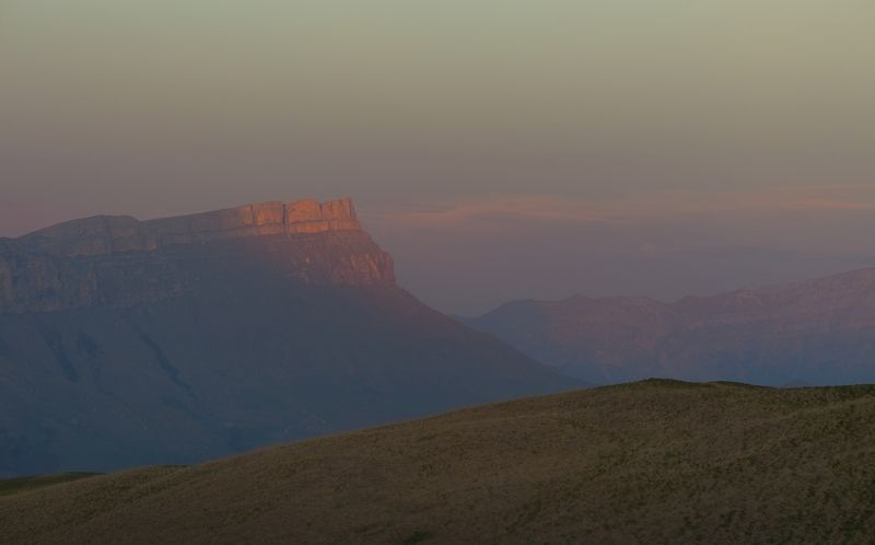 горы весна закат Последний луч солнцаphoto preview