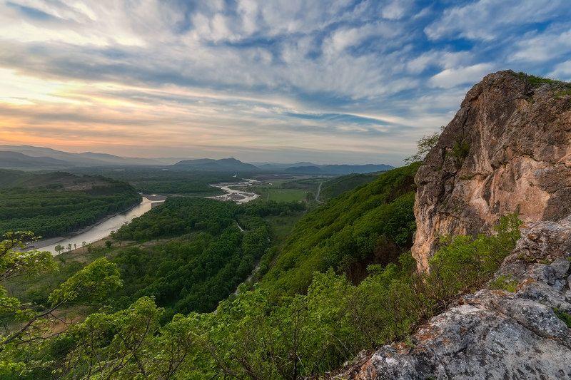 вечер, горы, закат, приморье, река партизанская, весна 2021 речная долинаphoto preview