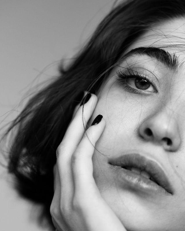 portrait, girl , model , soul, look, eyes , beauty, woman, closeup Mahsaphoto preview