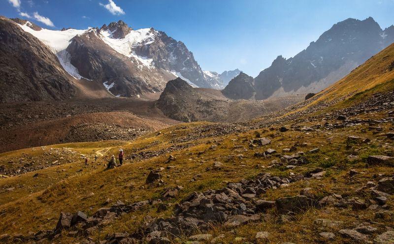 алматы, чимбулак, shymbulak, горы, ледник, урочище, перевал, люди, небо, лето, Люди и ледники Заилийского Алатау, высота 3200м.photo preview