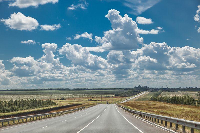 Дорога, облака, путь В дорогеphoto preview