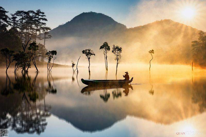 quanphoto, landscape, morning, sunrise, dawn, foggy, lake, reflections, nature, fishing, trees, mountains, vietnam Foggy Morning Reflectionsphoto preview
