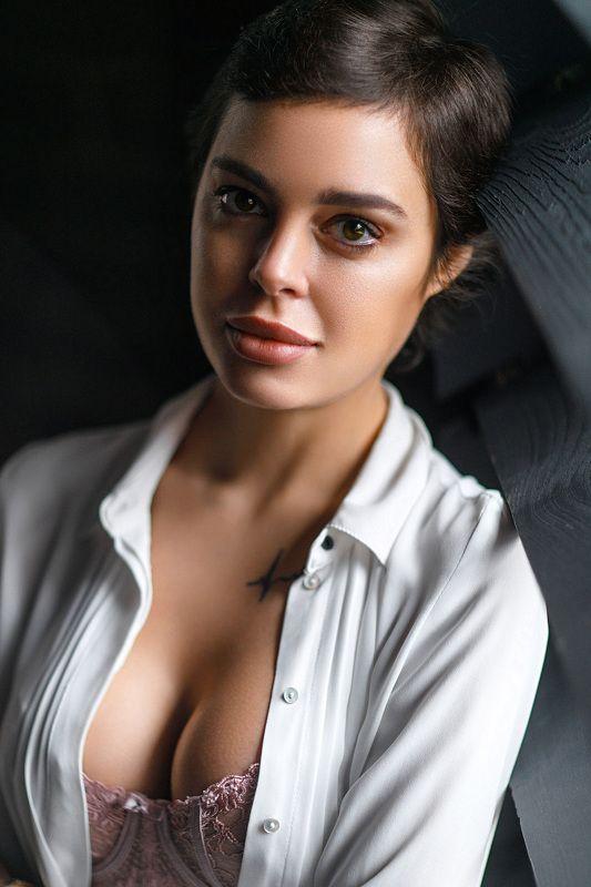 портрет девушка взгляд portrait белье красиво Ленаphoto preview