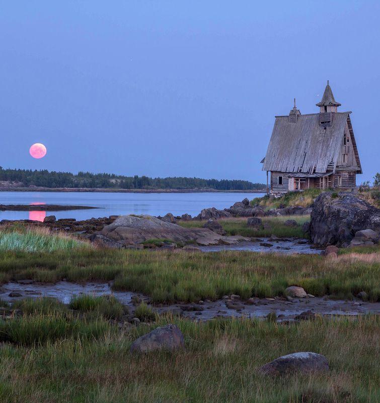белое море, рабочеостровск, белы еночь, полнолуние, фильм остров, кемь, церковь Восход луны над Белым моремphoto preview