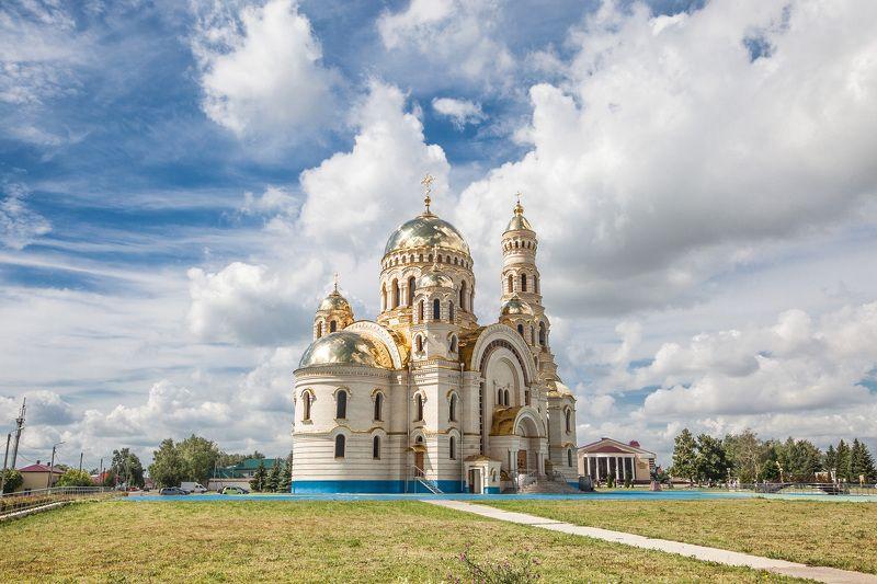 Храм, Православие, облака. Храм в Атяшевоphoto preview