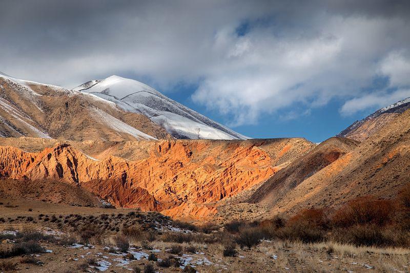 кыргызстан, горы Рахат-лукумphoto preview